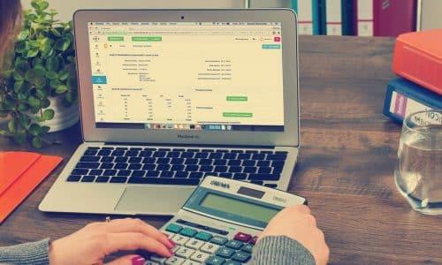 Blogi: Arvonlisävero – Milloin maksetaan ja paljonko? Kuva blogin pääkuvasta.