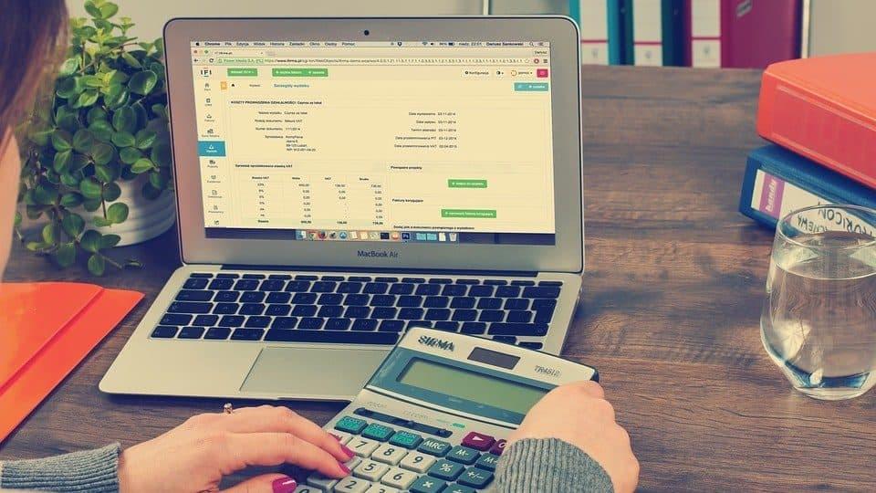 Arvonlisävero – Milloin maksetaan ja paljonko?